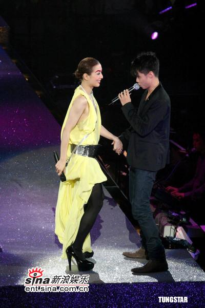 组图:郑秀文第二场演唱会张敬轩钟欣桐助阵