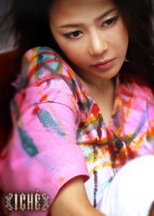 新浪游戏_韩国性感女歌手代言《劲舞团》(图)