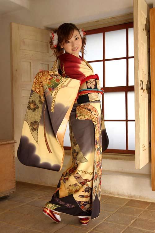 盛装和服美少女cosplay