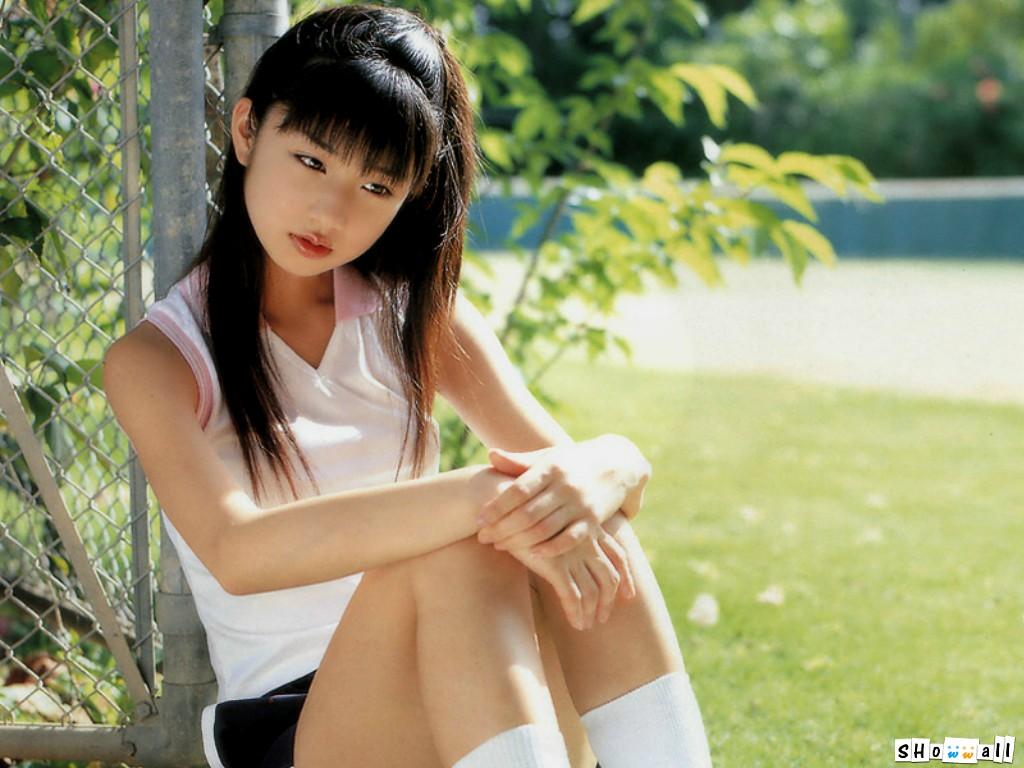 日本最漂亮女名优图片_新浪游戏 游戏新闻 日本女艺人小仓优子cosplay《校园迷糊大王》