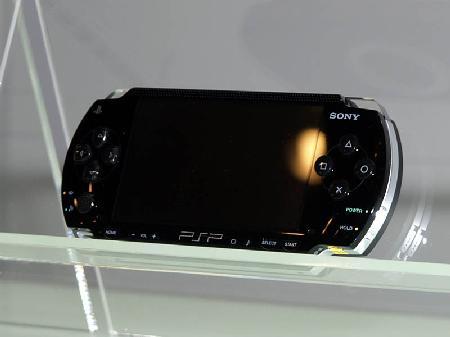 新浪游戏_PSP电池持续使用时间测试报告出笼