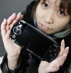 新浪游戏_索尼PSP游戏机恐无法如期在欧洲上市