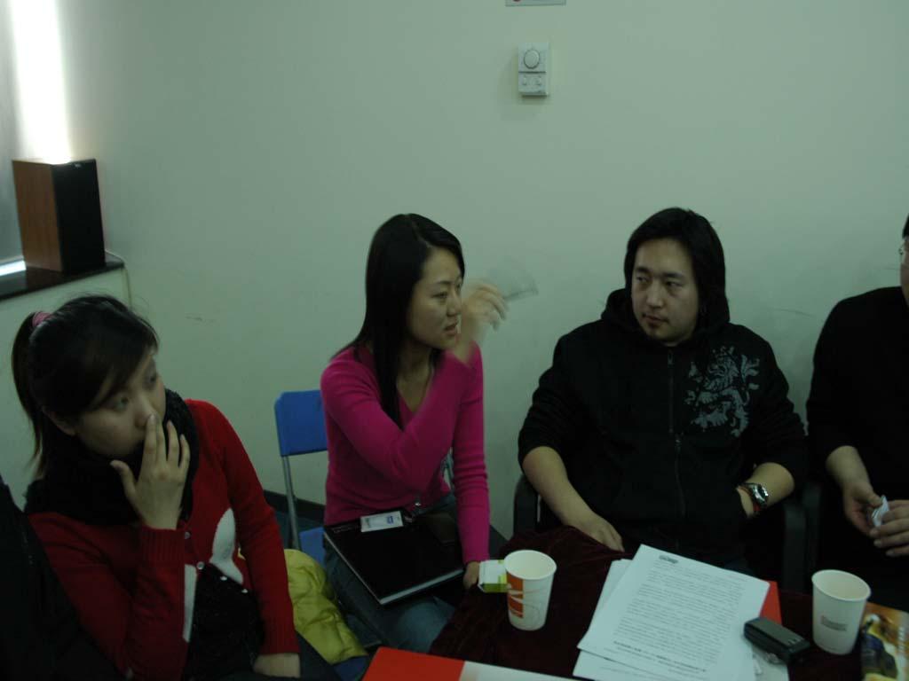 金山亚丁工作室成员与记者交流