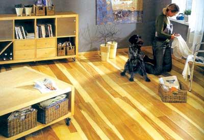 使用更长久;软木复合地板彻底改善强化地板的脚感;更