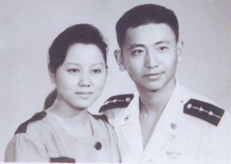 图文:王伟与妻子阮国琴