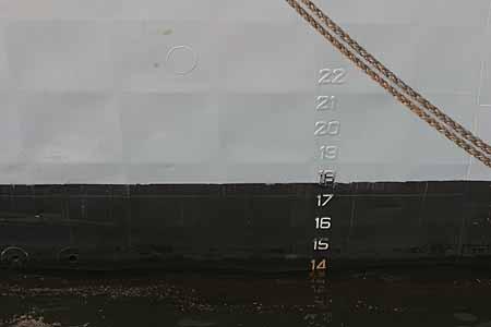 船舶吃水标志图片