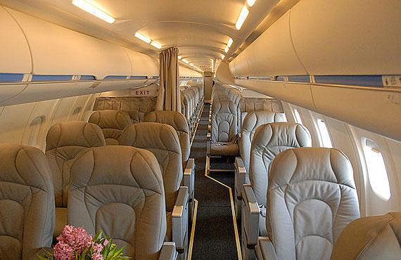 组图:加拿大庞巴迪支线CRJ系列飞机(3)