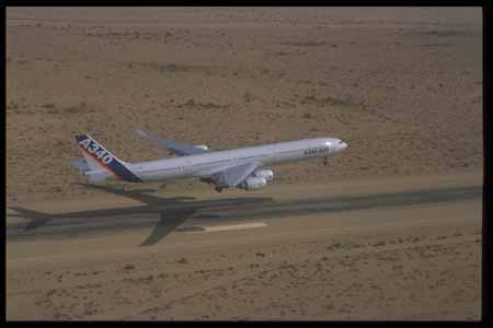 资料图片:空中客车a340-600飞机(31)