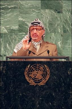 新闻人物:阿拉法特为中东和平奋斗的一生(组图)