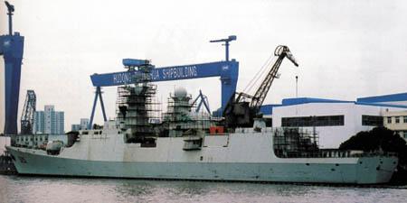 在上海建造的中国新型水面战舰群(组图)