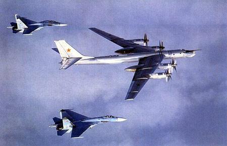 盘点2004年十大外国武器图-95H战略轰炸机