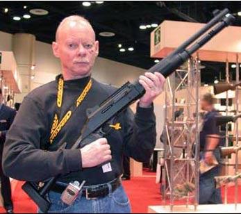 驻伊美军近战利器-M1014三军战术霰弹枪(组图)