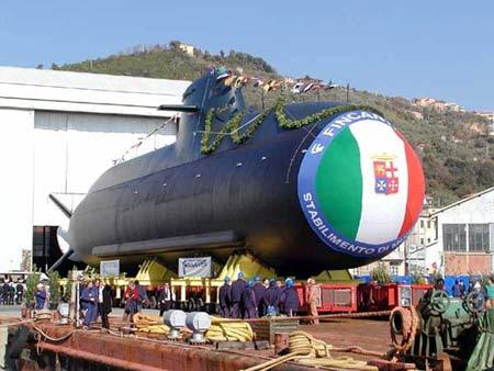 意大利海军第二艘U212A级潜艇建成下水(组图)