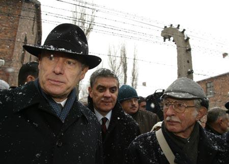 奥斯维辛委员会柏林集会施罗德强调德国应负责