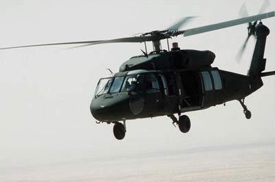 新闻评述:美军用直升机为何如此脆弱?(附图)