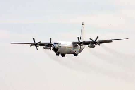 泰国空军C-130大力神运输机经停首都机场(组图)