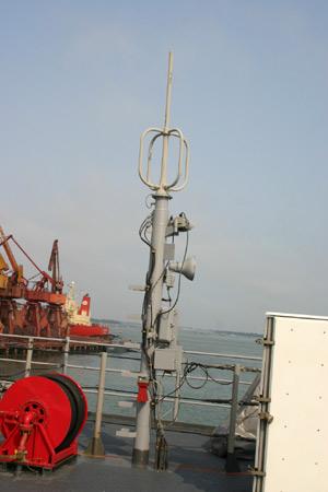 图文:蓝岭号指挥舰右甲板扩音设备