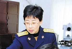 海军某基地女高级工程师卫爱平纪事(附图)