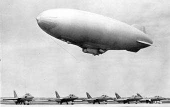 驻伊美军将开始配备新型通讯中继飞艇(附图)