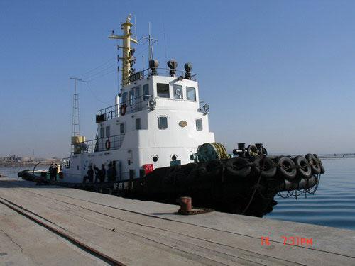 图文:担任主拖的威电拖1号拖轮