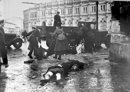 组图:保卫莫斯科的苏联士兵红场前的坦克阵(6)