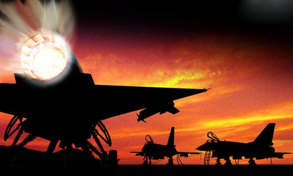 图文:夕阳下的歼十战机机群