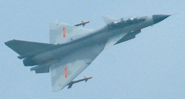 图文:有争议的歼十战机双座型