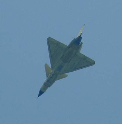 图文:中国歼十原型机飞行测试