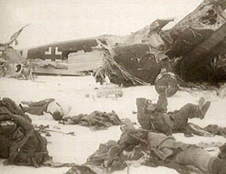 图文:坠毁的德军运输机