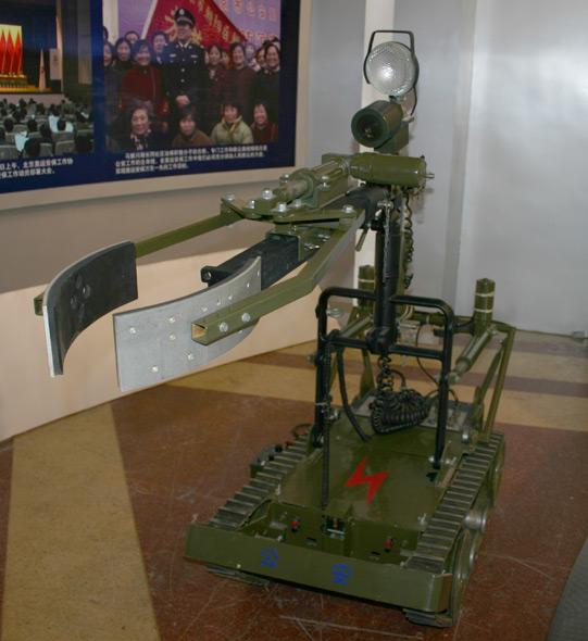 图文:警用排爆机器人