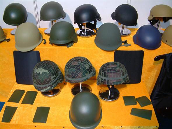 图文:国产各型防弹防暴头盔