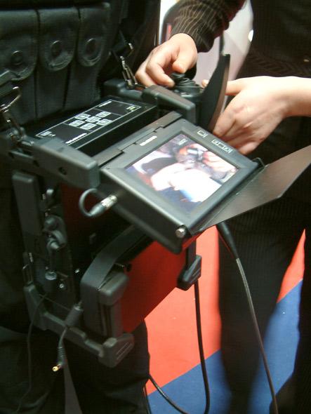 图文:轻型便携式针孔内窥镜系统