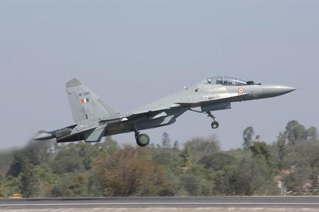 印度总统访俄讨论第五代战机合作问题(组图)