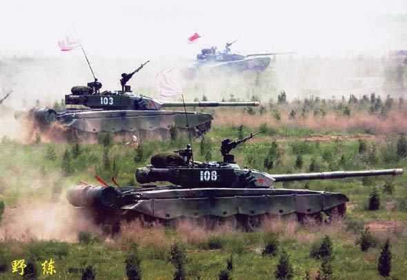 中国军方三年定型20余种装甲战车(图)