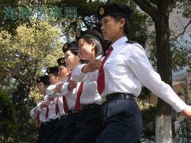 组图:中国海军某通信部队的女兵