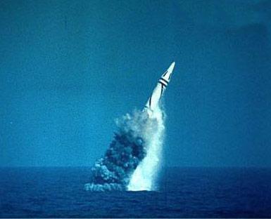 """资料:""""巨浪2""""型潜射弹道导弹"""