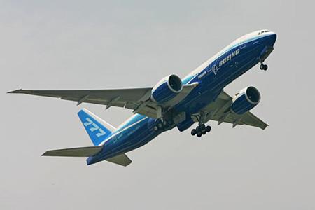 波音777-200LR环球飞机简介(组图)