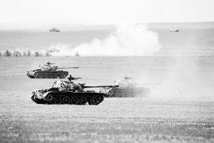 走近沈阳军区模拟蓝军任务的某装甲团(组图)