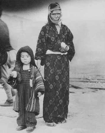 二战结束60年公众如何看是否该向日本扔原子弹