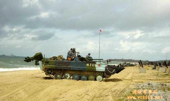 中国海军陆战队试射新型车载导弹首发命中(图)