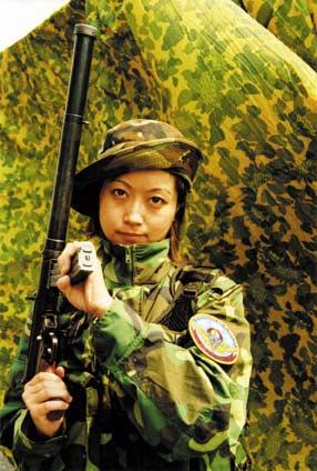 解放军空降兵特种部队演习实录(组图2)