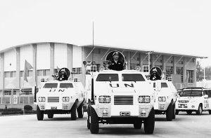 长篇特写:让装甲车从民营企业中驶出(附图)