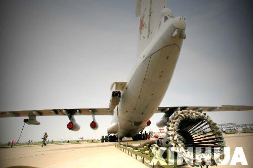 图文:伊尔-78加油机尾部