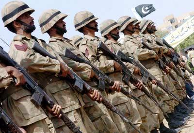 组图:巴基斯坦举行国防日活动