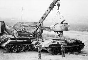 我军装甲车被击穿一分钟内可出保障方案(图)