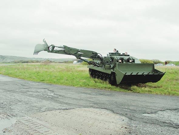 英国陆军小猎犬战斗工程车接受初期试验(图)