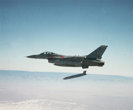 美军正在研发射程超过18000千米的空射巡航导弹