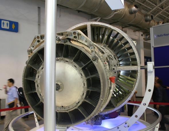 图文:法国CFM56-5B航空发动机后部图
