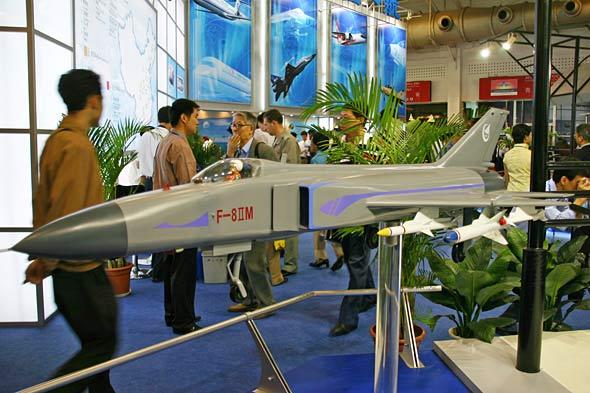 脱胎换骨的新歼8IIM多用途高空高速战斗机(图)