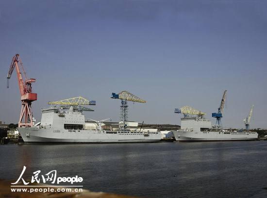 英国海军首艘海湾级船坞登陆舰即将海试(附图)